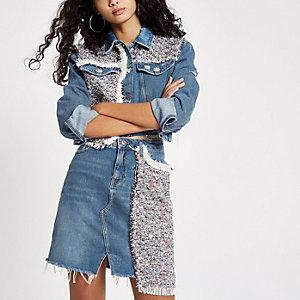Blauer Jeansrock mit Kunstperlenverzierung