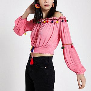 Top Bardot rose à fronces avec pompons multicolores