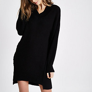 Black V neck stepped hem sweater