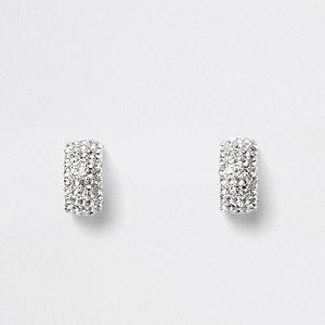 Zilverkleurige kleine oorringen met ingelegde siersteentjes