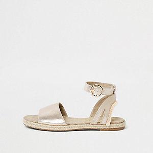 Zweiteilige Sandalen in Gold-Metallic