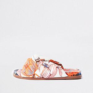 Sandales à fleurs roses avec nœud