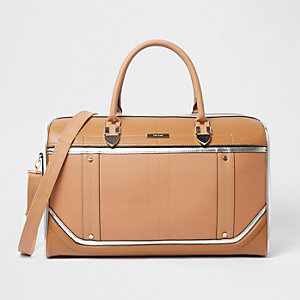 Beige cutabout holdall