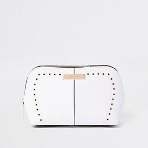 White RI stud and eyelet make-up bag