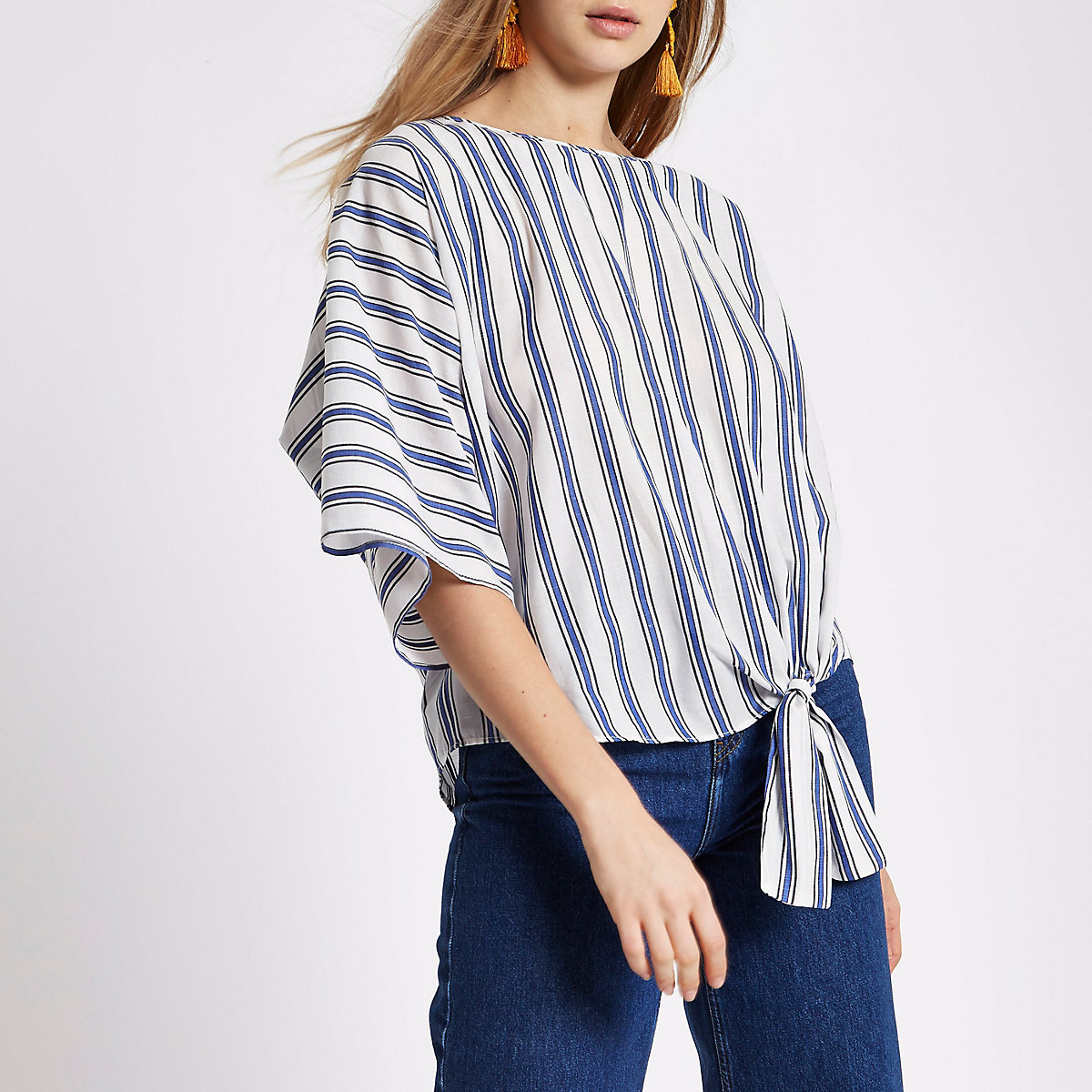 Blue stripe print knot side T-shirt