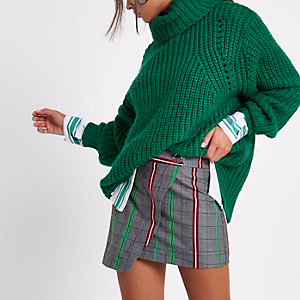 Green check popper front skort