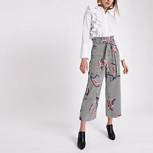 Weißer Hosenrock mit Blumenmuster