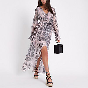 Roze maxi-jurk met paisleyprint