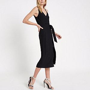 Zwarte cami midi-jurk met overslag voor en strikceintuur