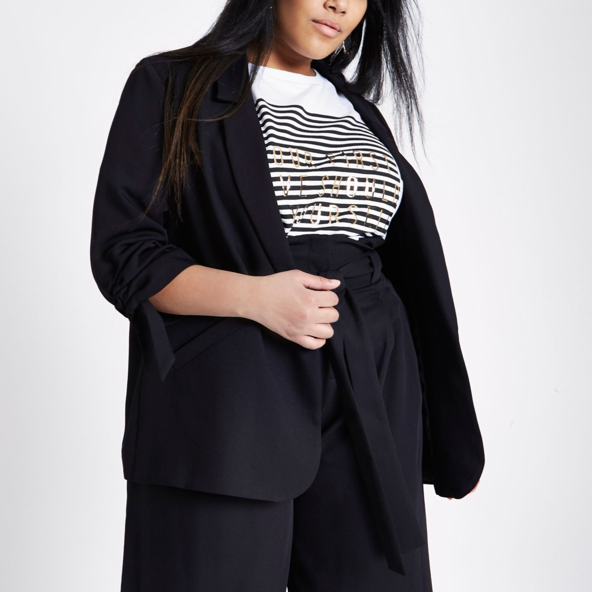 Plus black crepe ruched sleeve blazer