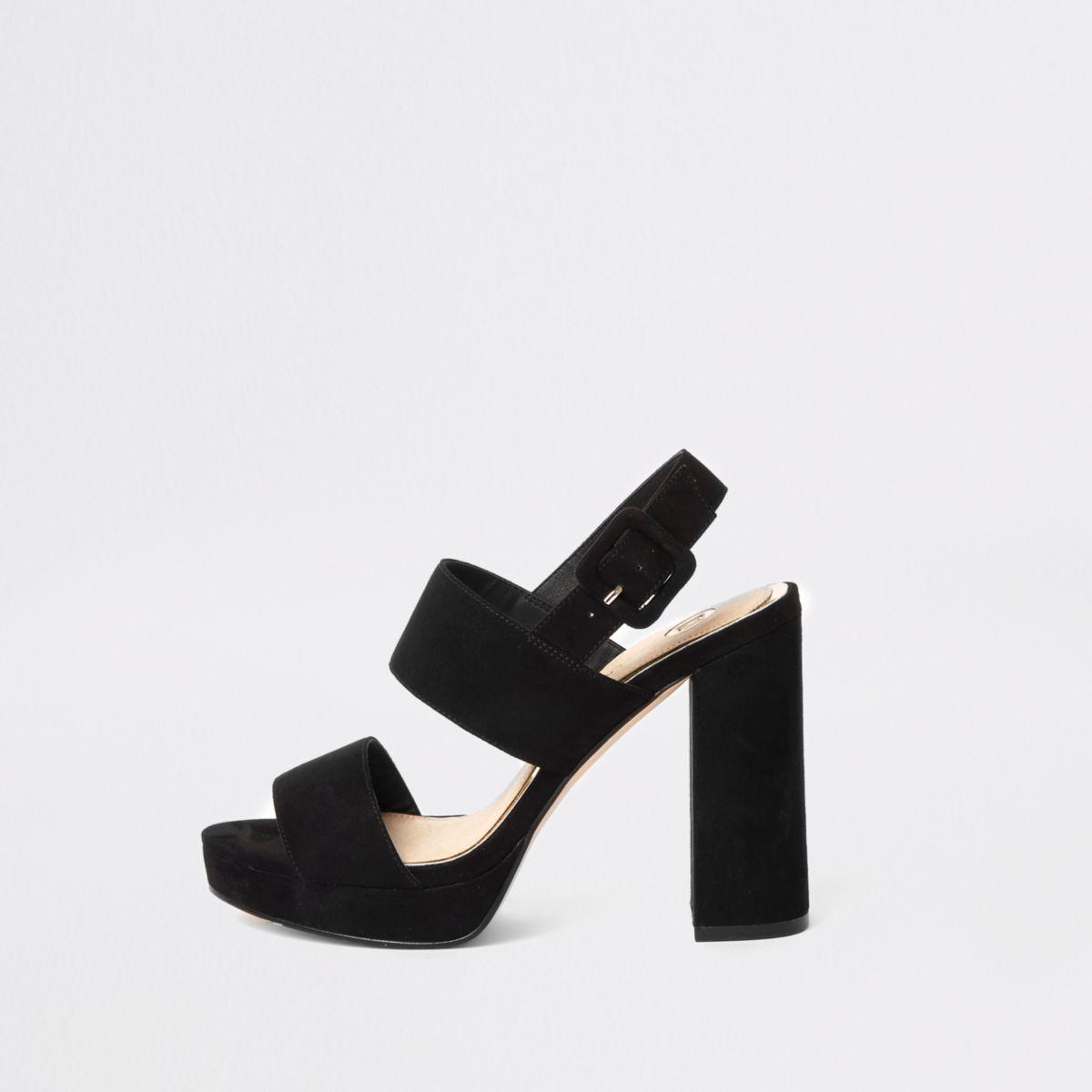 Zwarte sandalen met plateauzool, gesp en bandjes