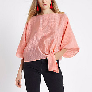 Coral pink knot side T-shirt