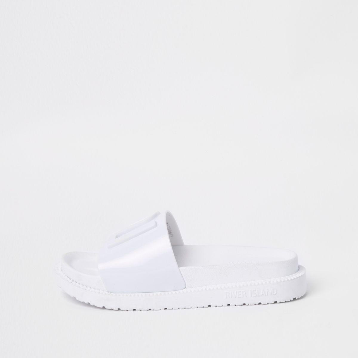 White RI branded jelly sliders