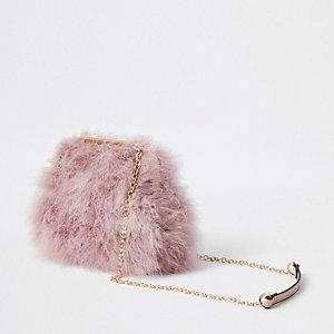 Roze clutch met ketting en veren