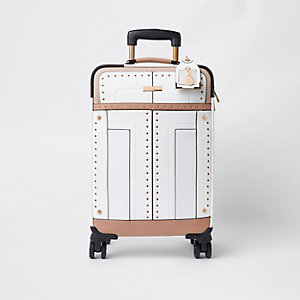 Valise blanche cloutée à œillets
