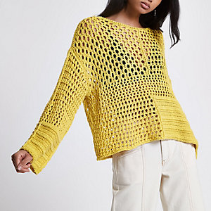 Pull au crochet jaune coupe rectangulaire