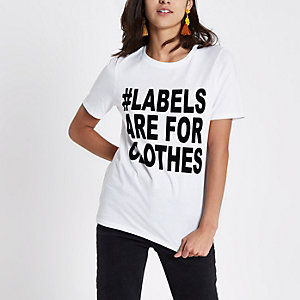 Ditch the Label charity - Wit aansluitend T-shirt