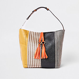 Black tassel ring underarm slouch bag