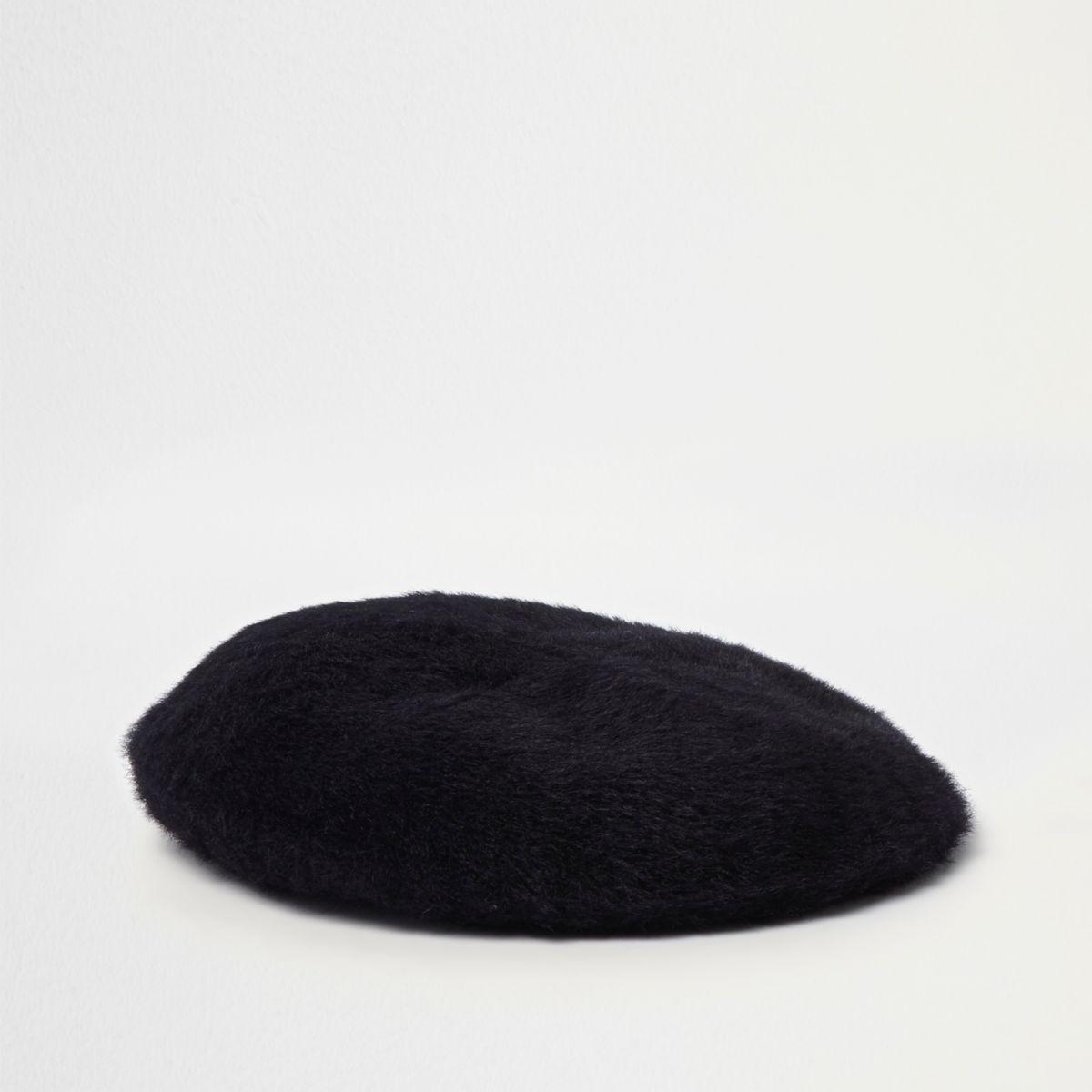 Black fluffy felt beret