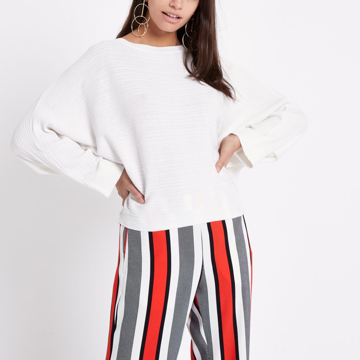White ribbed long sleeve knitted sweater