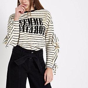 Crème gestreept T-shirt met 'femme'-print en ruches aan de mouwen