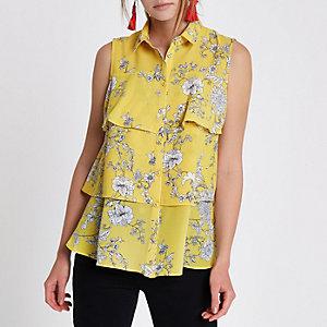 Geel gebloemd gelaagd mouwloos overhemd met ruches