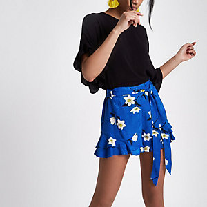 Blue frill hem floral print shorts