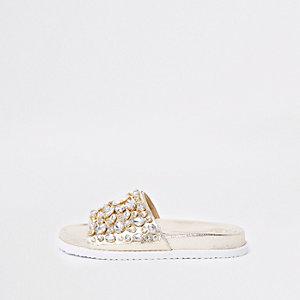 Goudkleurig metallic verfraaide slippers met siersteentjes
