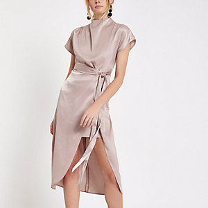Light pink thigh split cape sleeve dress