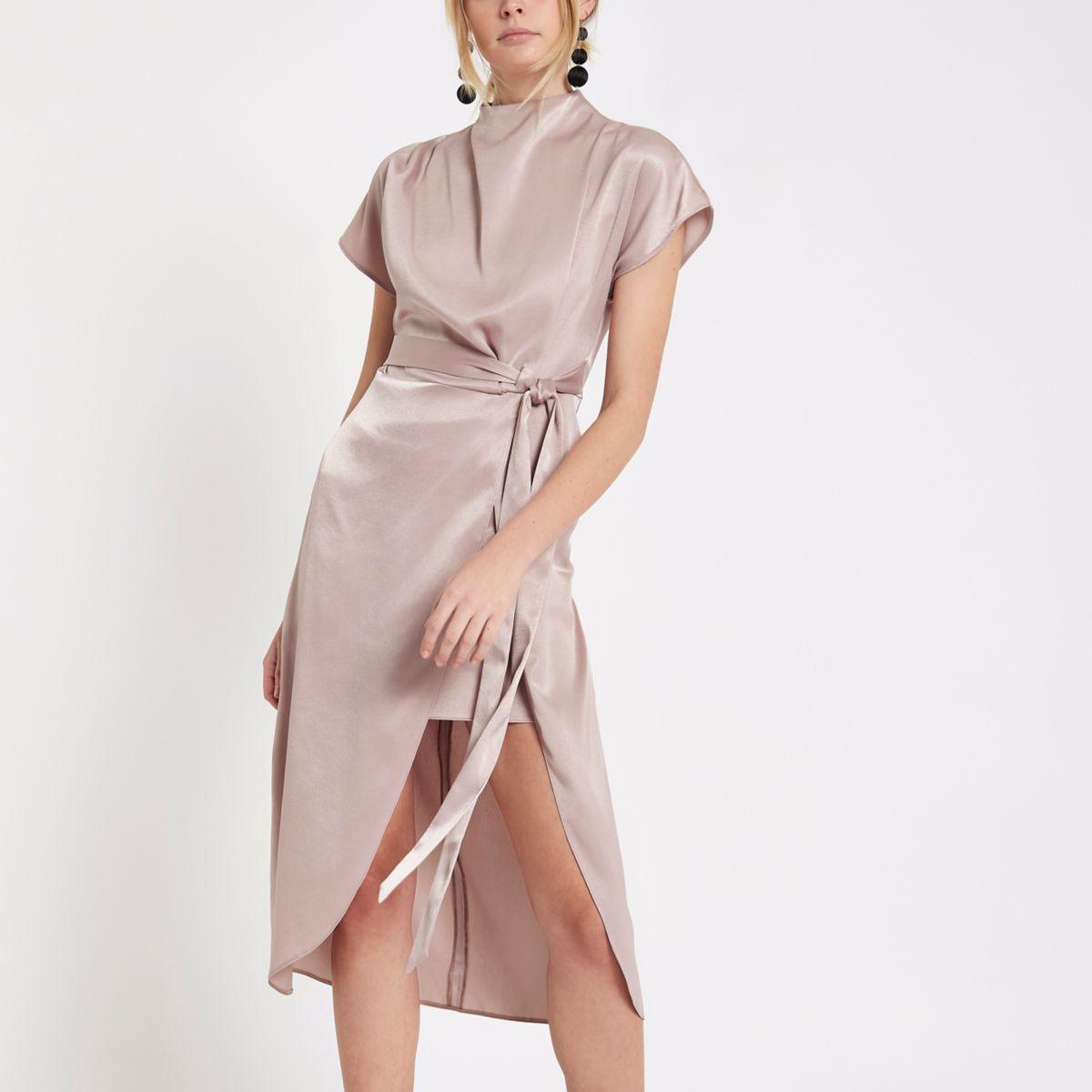 Light pink thigh split cape sleeve dress