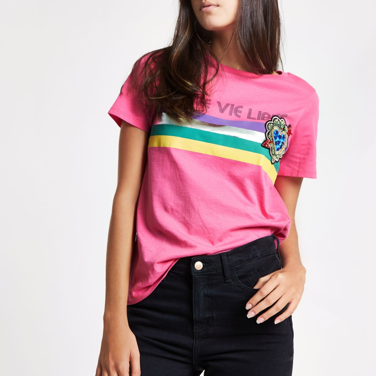 Roze T-shirt met broche en 'Une vie'-print