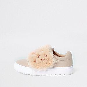 Roze sneakers met klittenbandsluiting, imitatiebont en siersteentjes