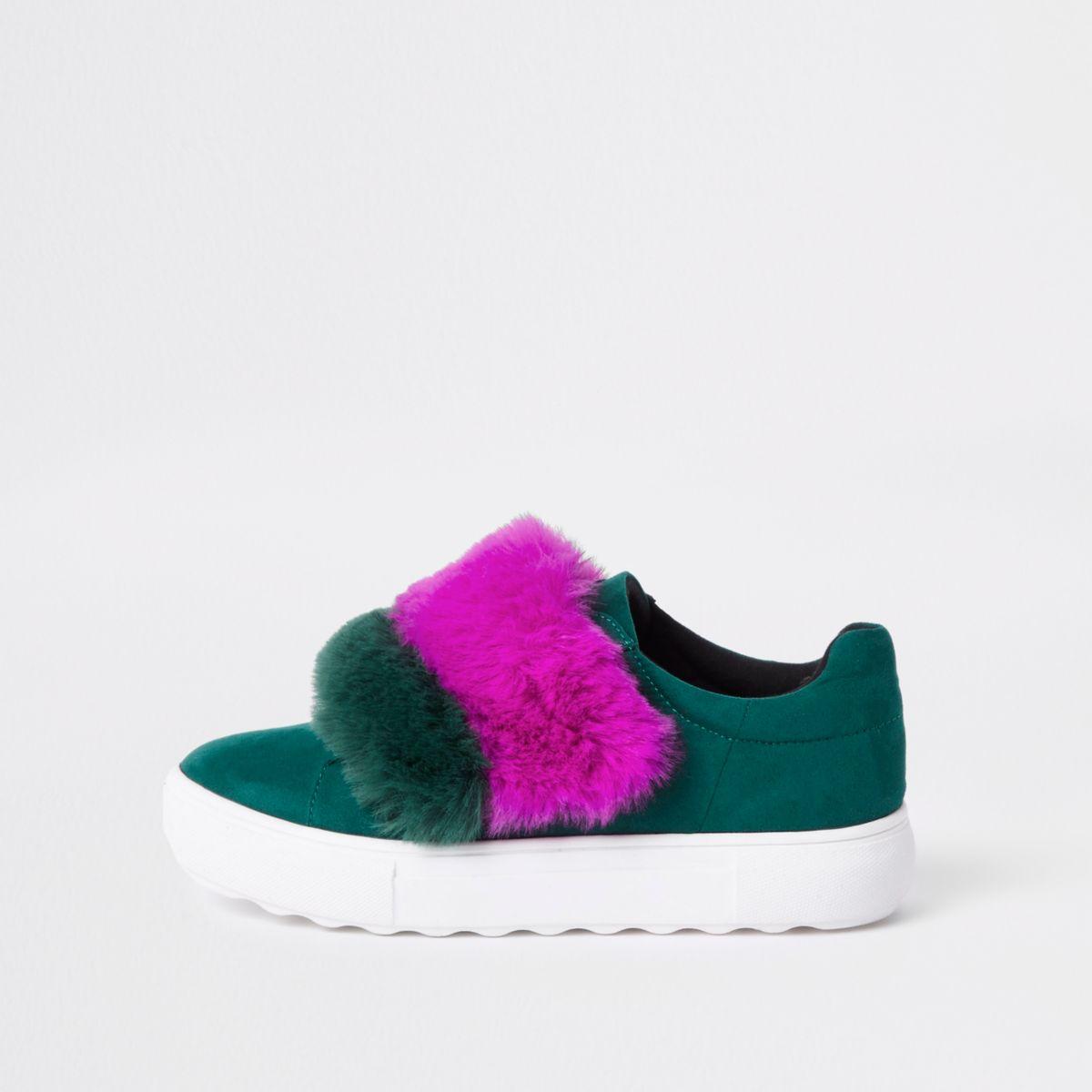 Green faux fur velcro sneakers