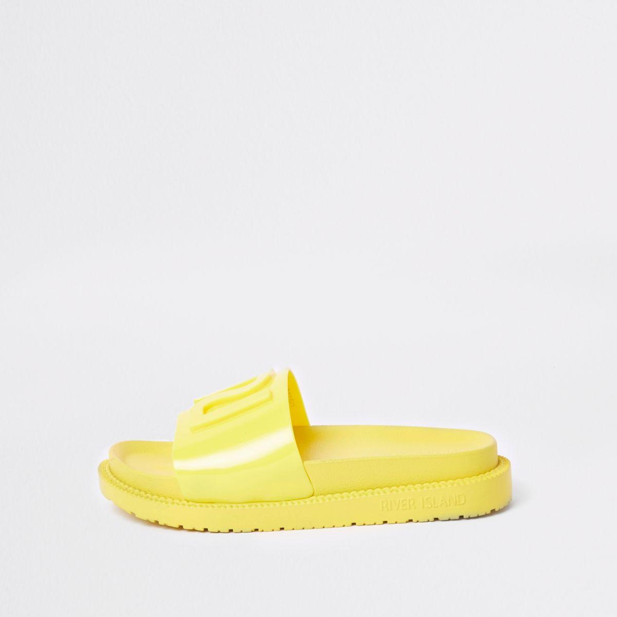 Yellow RI branded jelly sliders