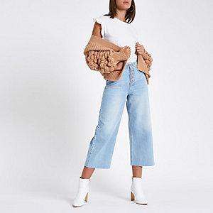 Alexa – Jean bleu clair à ourlet effiloché façon jupe-culotte