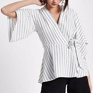 Top drapé rayé crème à manches kimono