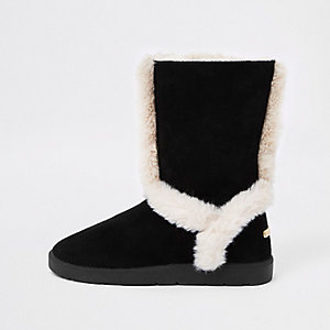 Black suede faux fur lined boots