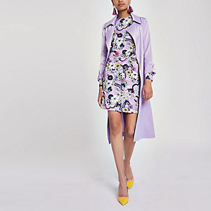 Robe moulante froncée imprimé floral violette