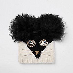 RI 30 black cat face beanie hat