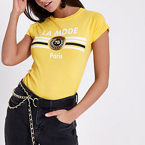T-shirt ajusté imprimé «la mode» jaune