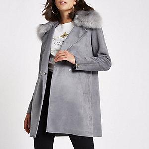 Manteau évasé gris à col en fausse fourrure