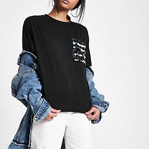 Zwart recht T-shirt met pailletten en zak