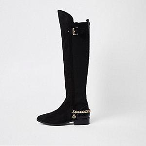 Schwarze Overknee-Stiefel mit weiter Passform