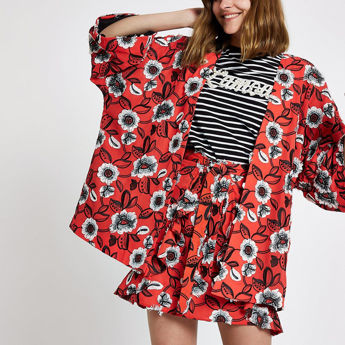 Kimono rouge à imprimé fleuri