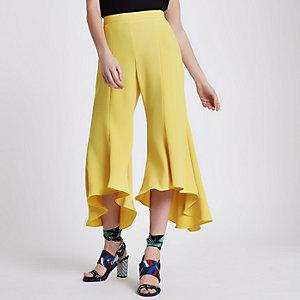 Petite – Gelbe Hose mit Rüschen