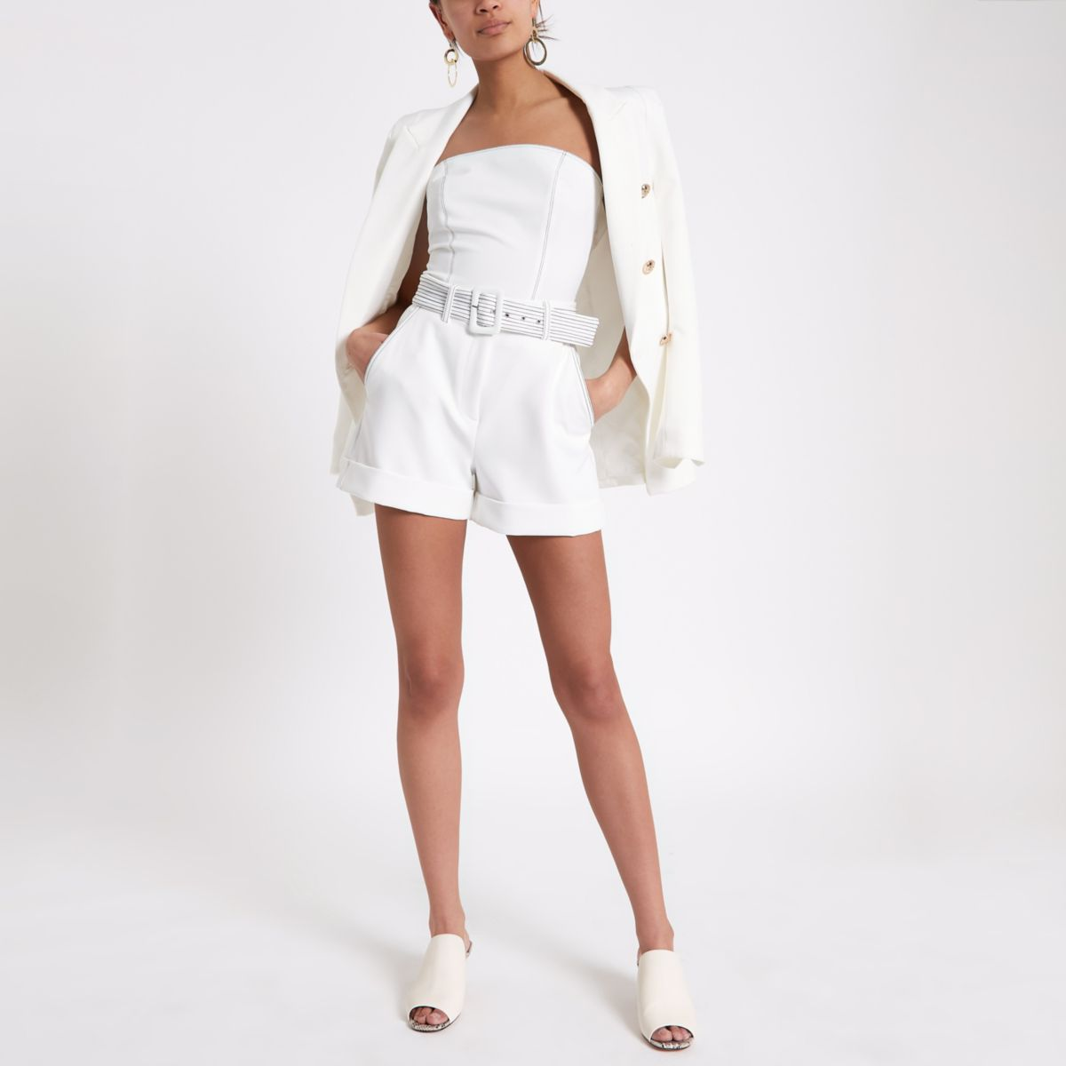 White contrast stitch belted shorts