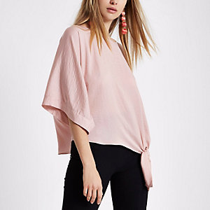 Light pink short sleeve knot side T-shirt