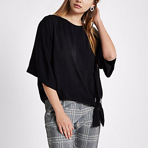 Black short sleeve knot side top