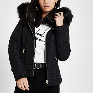 Black faux fur hood long sleeve padded jacket