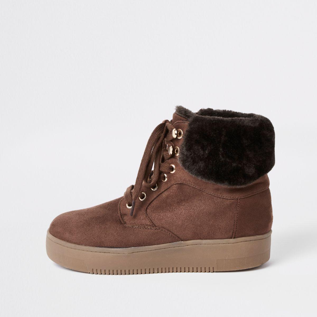 Brown lace-up faux fur trims boots